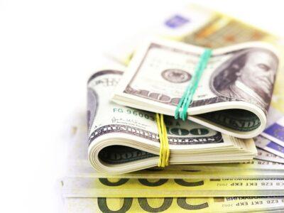 Bank Banknote Batch Bill Bills  - 15675001 / Pixabay
