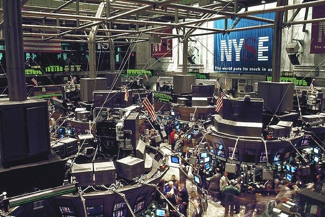 Stock Exchange Trading Floor - 272447 / Pixabay