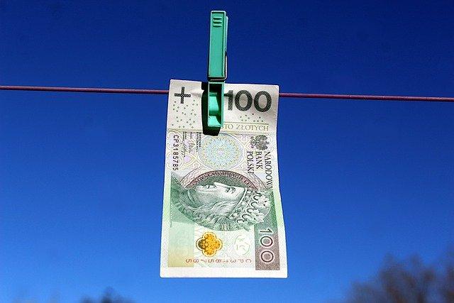 Money Currency Euro Banknotes Buck - gosiak1980 / Pixabay