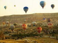 Hot Air Balloons Balloons Mountains  - alexman89 / Pixabay