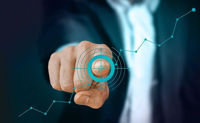 Businessman Pointing Success Target - geralt / Pixabay