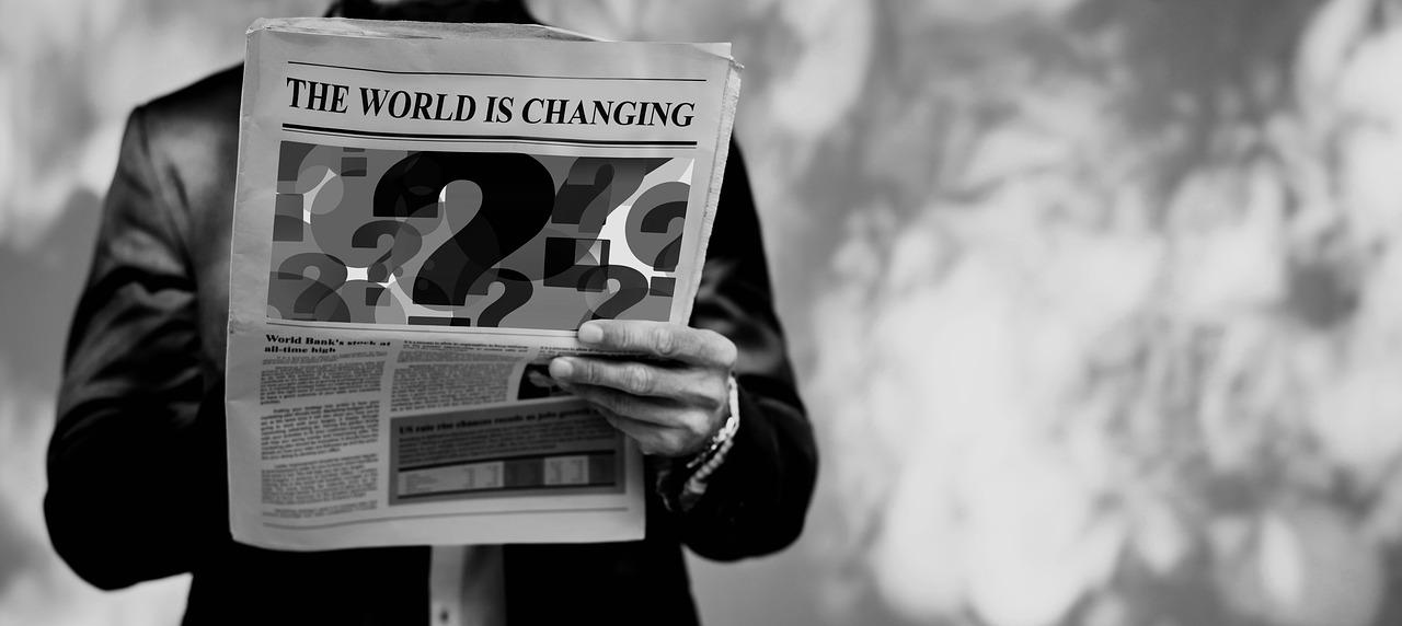 Change World Man Newspaper Read  - geralt / Pixabay