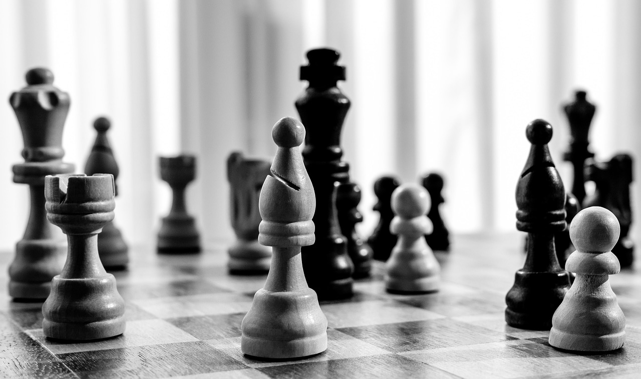 Chess Board Game Policy Intriege - LNLNLN / Pixabay